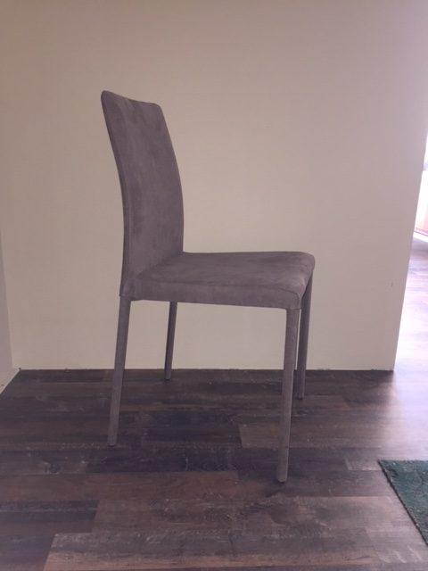 Quattro sedie alcantara colore tortora € 100,00