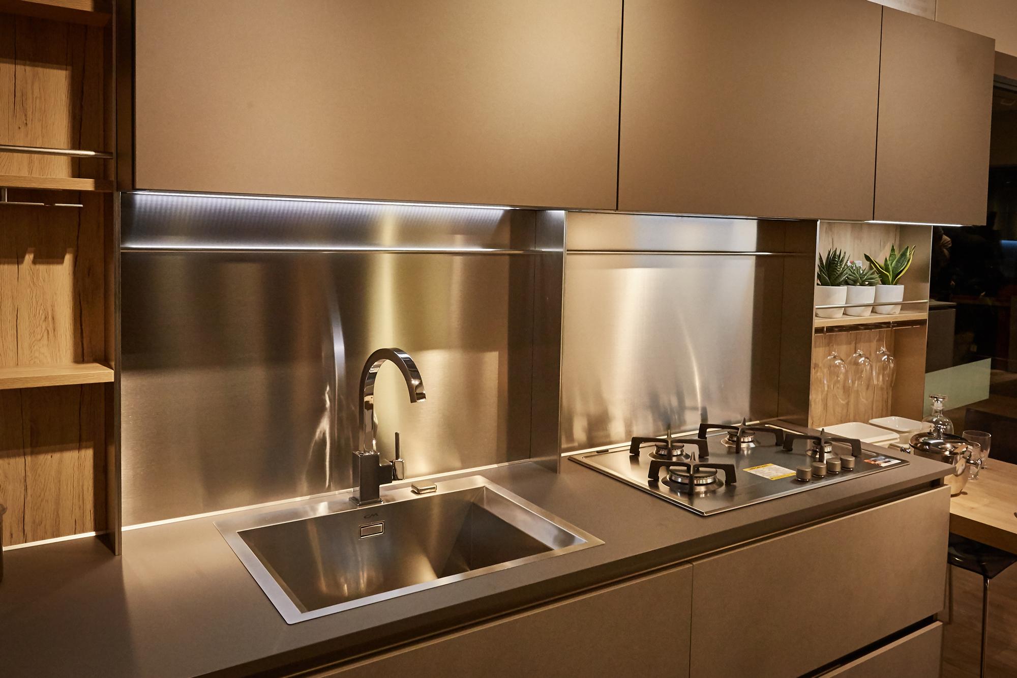 Veneta Cucine Store - Strippoli Mobili Corato Home Design | Kitchen ...