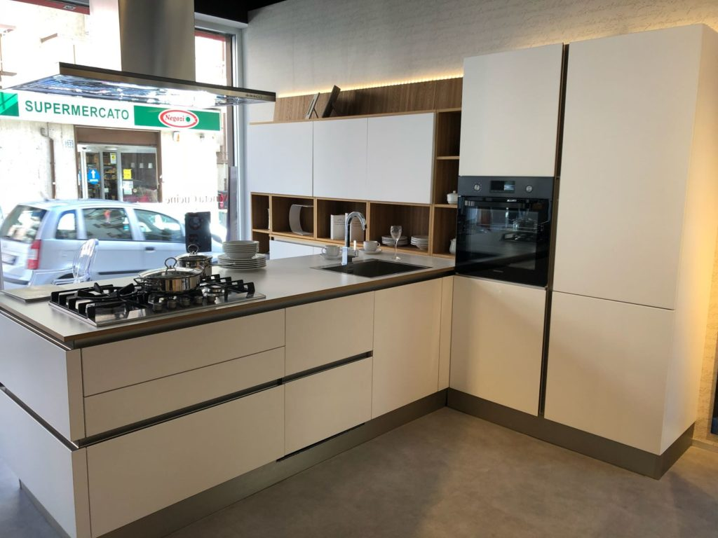 Cucina modello OYSTER Veneta Cucine € 10.900 - Strippoli Mobili ...